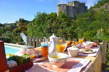 La Bastide des Buis - Largentière - Bed & Breakfast