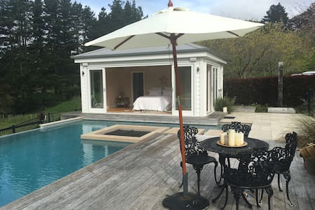 The Pool House Retreat - Auckland