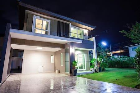 Big House in Phuket - House