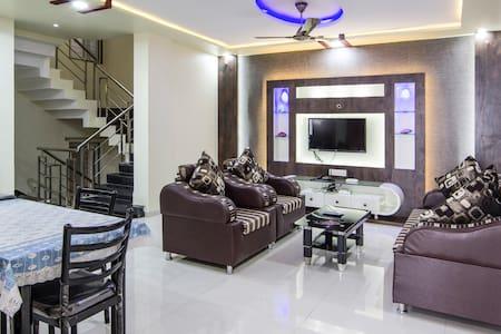 Decent Suite - Pimpri-Chinchwad - Apartment