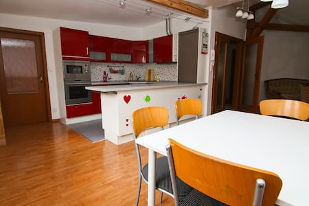 Big apartment in a quiet village! - Apartament