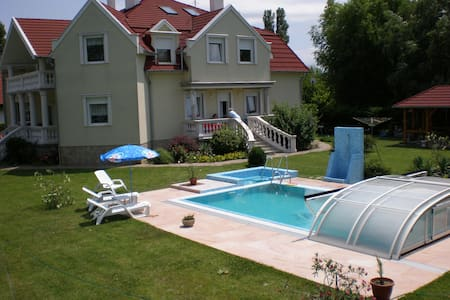 50m from free beach apartments with swimmingpool - Apartment