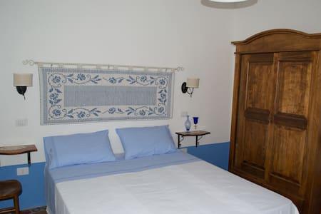 camera matrimoniale con terrazza - San Vito - Bed & Breakfast