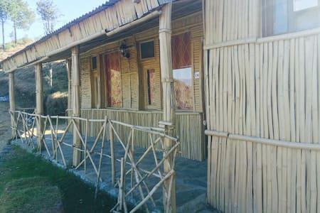 Premium lodge In the Lap of Nature - Shoghi - Cabaña en la naturaleza