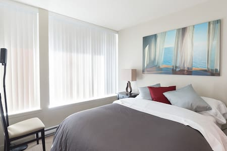 Centrally located in Downtown Vancouver near both Skytrain lines with easy access to the Airport and the Granville entertainment district.  Restaurants, shops, and major sights are just steps away.  Short stroll to the seawall and 100/100 walk score.