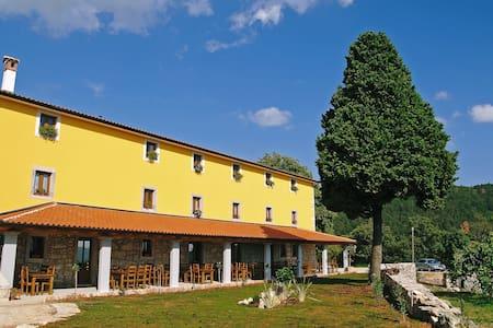 Romatic room 1 in lovely Villa - Ripenda Kras - Bed & Breakfast