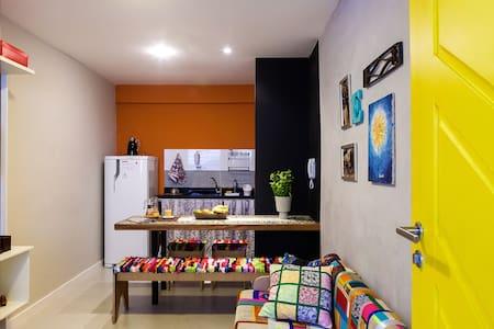 Conforto e localização (apto. 101) - Salvador - Apartment