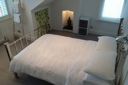 Double room in Redland. - Lägenhet