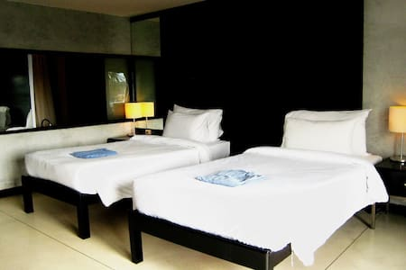 Boutique rooms in Maenam with access to pool & gym - Appartement