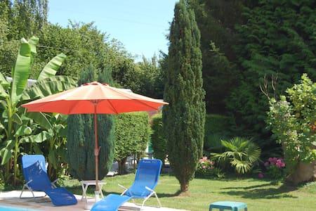 Cottage dans  propriété à 5mn de Deauville - Casa