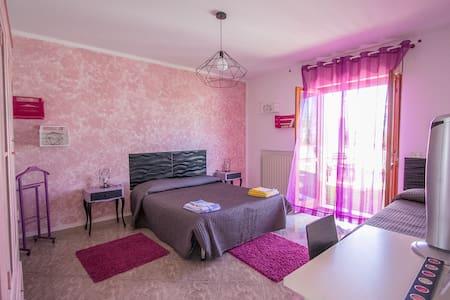 Casa Vacanze nel Borgo 10 POSTI - Catignano - Bed & Breakfast