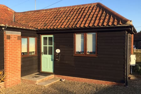 Rowena Cottage, Bacton, Norfolk - Hus