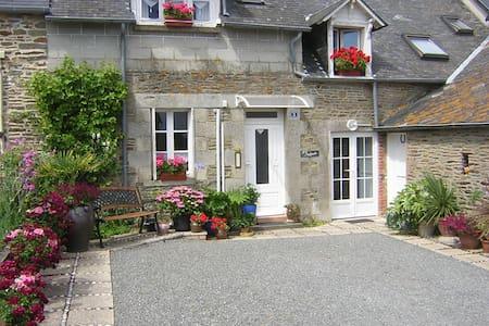 'Dalijalu' Mont St Michel - Bed & Breakfast
