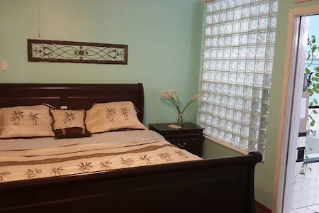 Master bedroom private entrance - Palm Beach Gardens