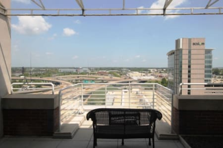 River Market Condo with Balcony!