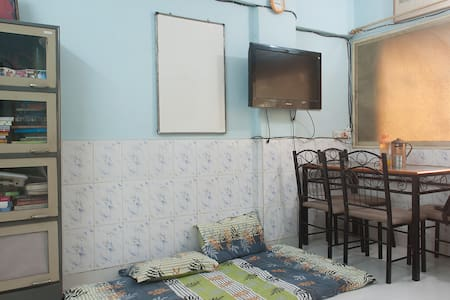 1 Private Room (HALL of a 1 bhk flat) in Andheri W - Wohnung