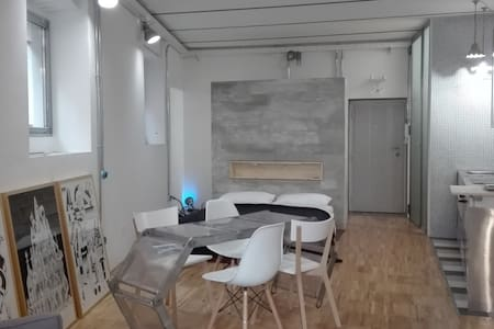 Stylish loft studio with 2 bikes in Pigneto area - Roma