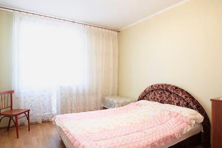 Уютная комната-студия для гостей Санкт-Петербурга - Sankt-Peterburg