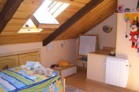 Duplex con 2 habitaciones y 2 baños - Huoneisto