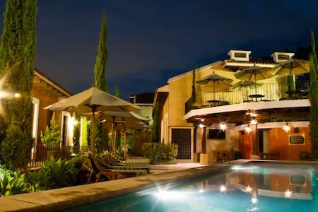 Luxurious Villa in Antigua - Casa