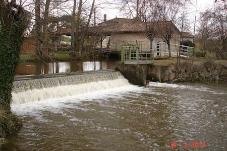 Moulin avec sauna et SPA, modulable de 2 à 4 pers - House