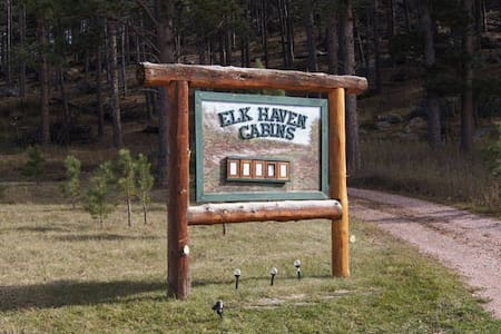 Elk Haven Vacation Cabins #4 - Stuga