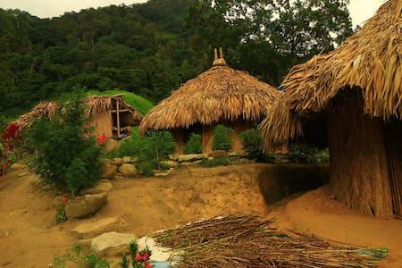Indigenous Wiwa Huts - Mundo Nuevo Minca - Kunyhó