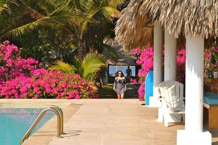 Barra de Santiago: Beachfront + Estuary Front - Casa
