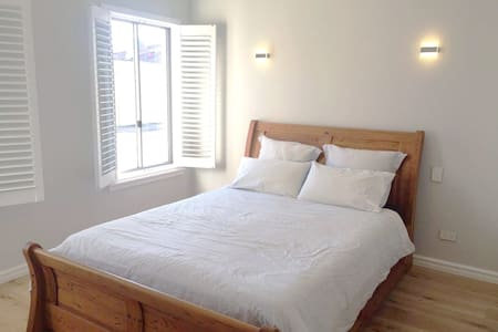 Large room + ensuite in brand new Doubleview house - House