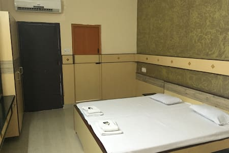 ROYAL CLUB AC ROOM - Coimbatore - Appartement