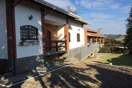 Chácara Estilo Mansão - Piracaia - House