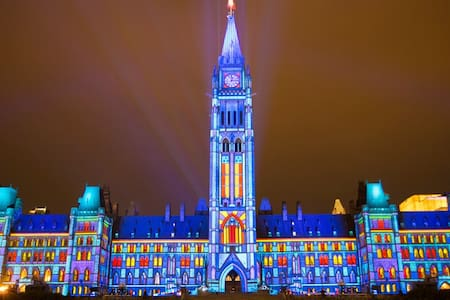 Charming & steps away from Canada's Parliament! - Ottawa