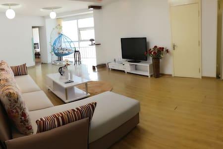 石老人海水浴场套二无敌海景房(青岛海景假日度假公寓) - Qingdao - Condominium