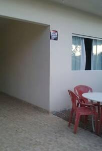 casa ampla entre duas praias - Bombinhas