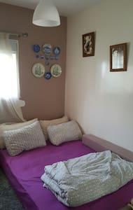 Une chambre agréable - Tamesna - Huoneisto