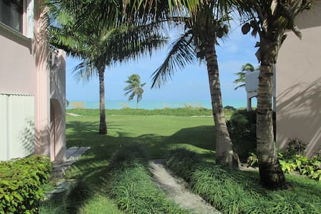 Treasure Cay Oceanfront Condo incredibly situated - Társasház