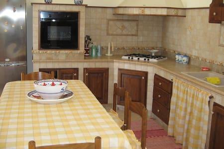 VILLETTA VICINO AL MARE - Villa