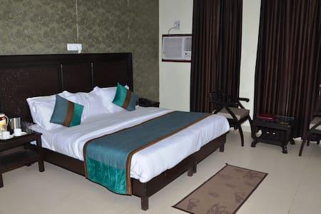 Deluxe Room with Garden View - Gurgaon - Bed & Breakfast