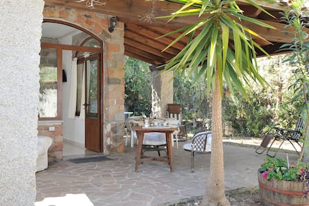 Villa in front of the beach , quiet and relax. B - Santa Maria Navarrese - Lejlighed