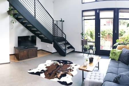 Urban Oasis 1 Bedroom Loft - Seattle - Loft