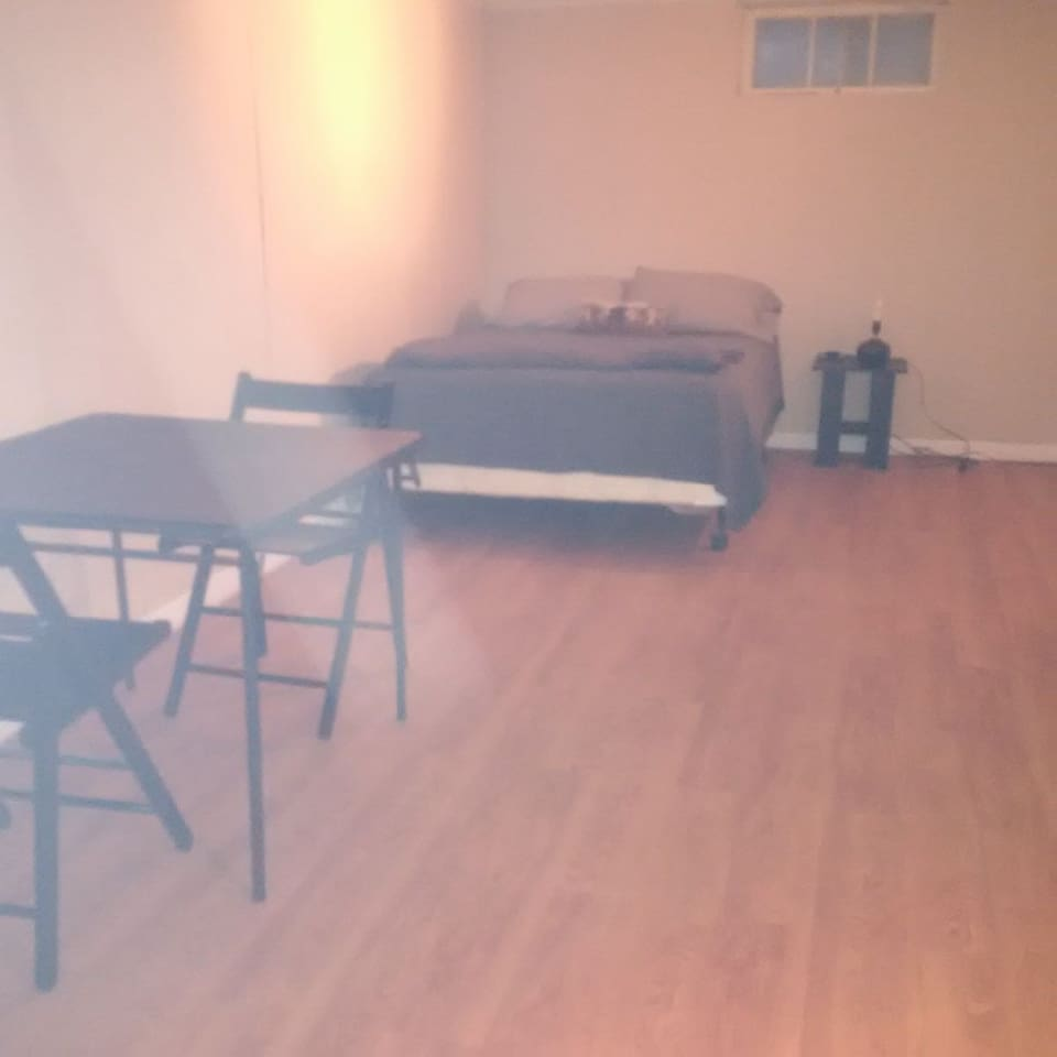 Spacious Room, Central Location