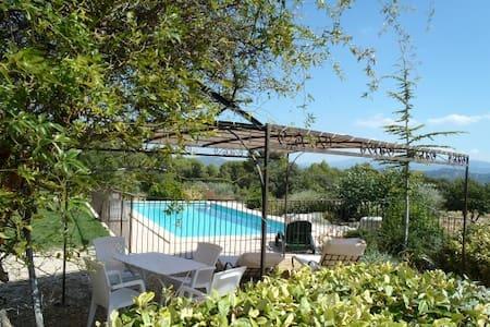 Vue et Tranquillité de Provence - Villa