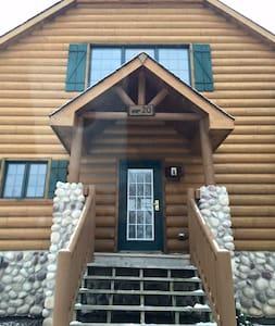 Luxury Cabin by Starved Rock - Kulübe