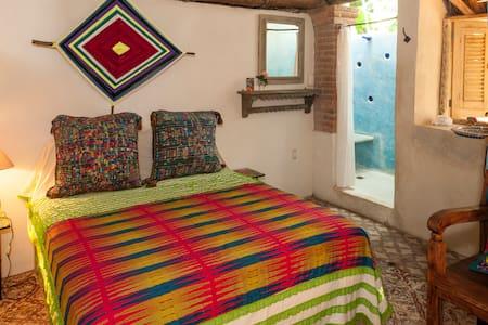 Sueños Mágicos, Casa del Jardín - Sayulita - Bed & Breakfast