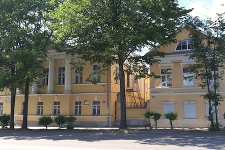 Апартаменты в Мезонине - Uglich