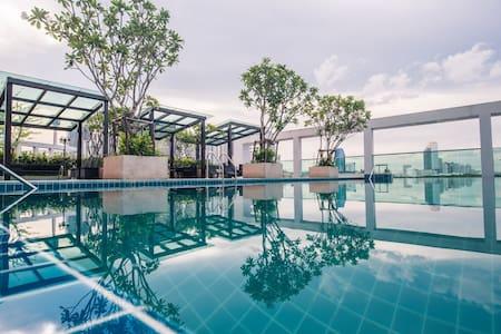 TOPMOST STUDIO 27FL. (T-A397) / WIFI / POOL / GYM - Bangkok - Condominio