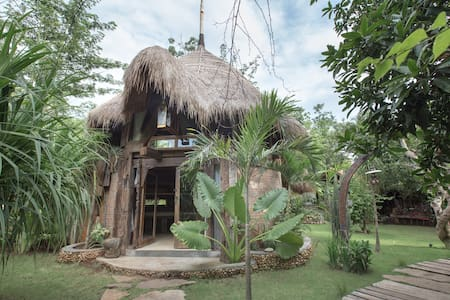 Fairy Tale Cabin in Magical Forest by the Beach - South Kuta - Chalet
