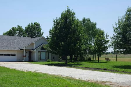Family-Friendly, Relax on 2 acres - Anna - Casa