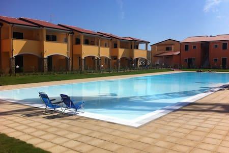 Casa Vacanza Residence Oleandri - Badesi