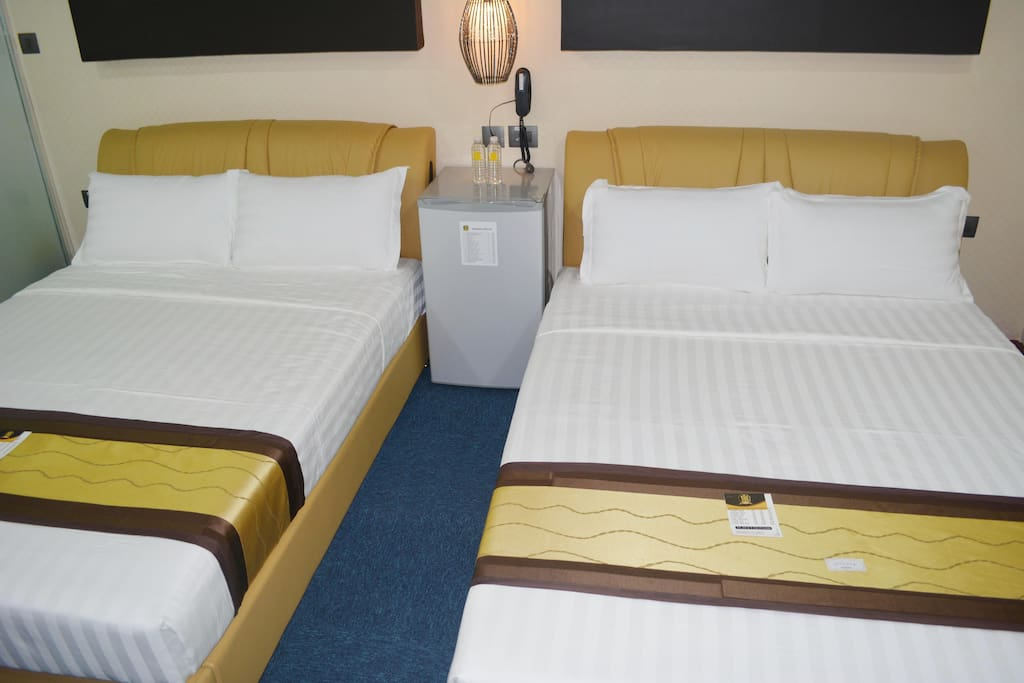 two queen size bed